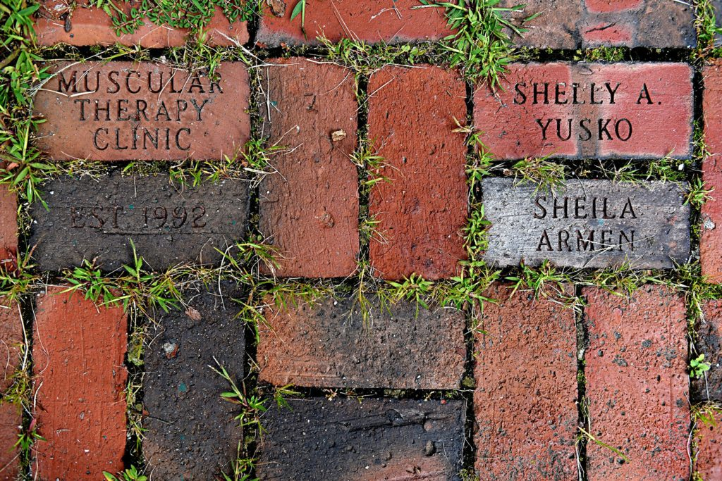 Sheila Armen's and Shelly Yusko's names adorn the path leading to Strong House Spa in Quechee, Vt., on Aug. 24, 2017.  (Valley News - Jennifer Hauck) Copyright Valley News. May not be reprinted or used online without permission. Send requests to permission@vnews.com.