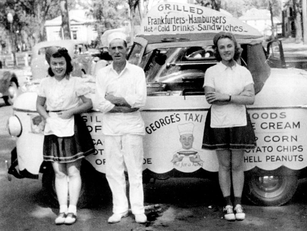George Scarlett's Food Taxi in Lebanon, N.H., in the early 1940s. (Courtesy Lebanon Historical Society)